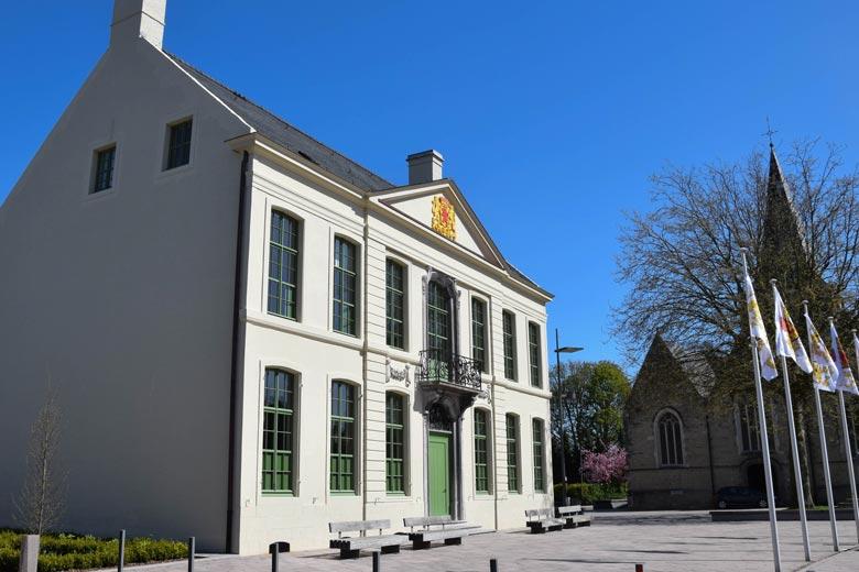 Gemeentehuis_laarne2